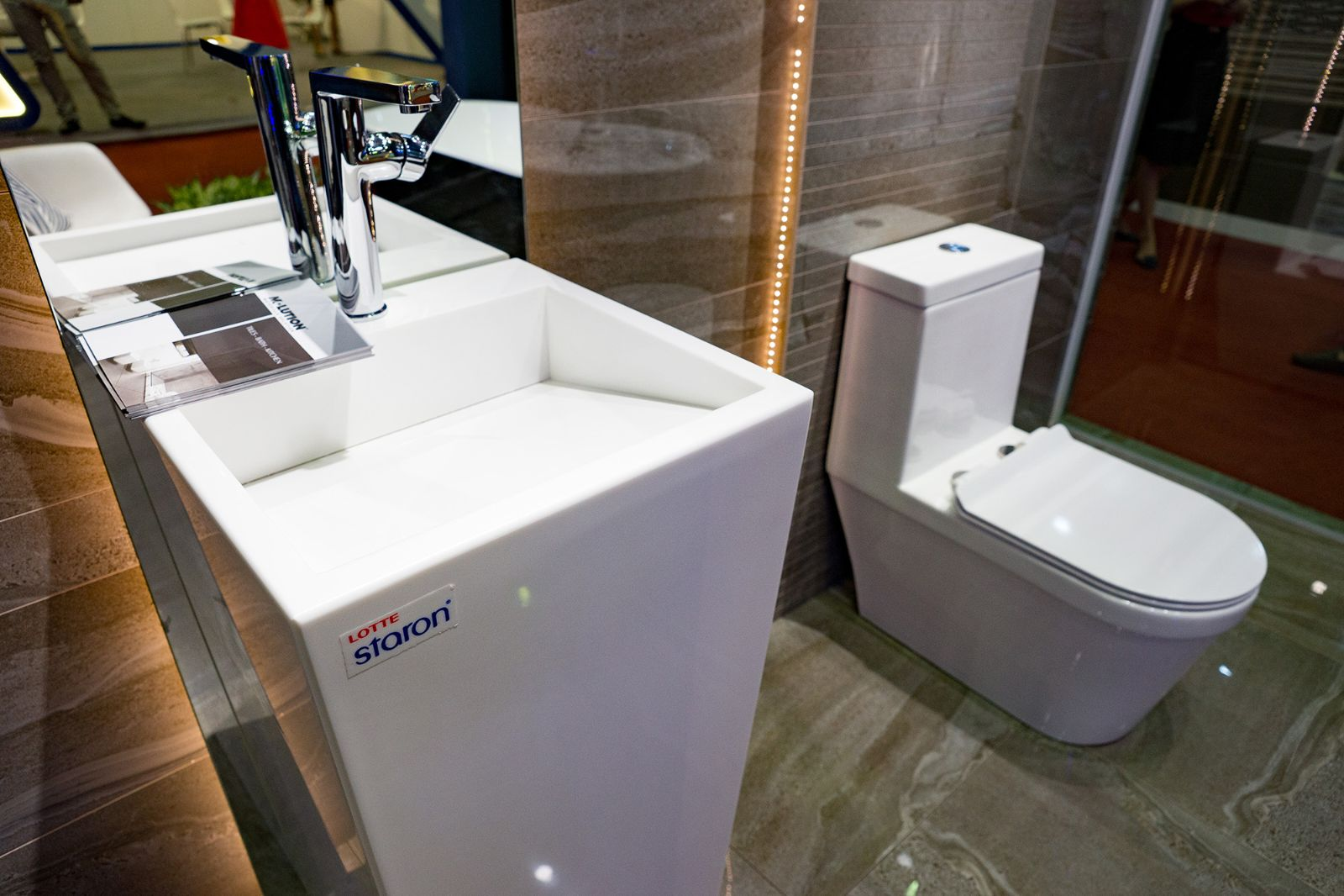 lavabo solid surface toilet
